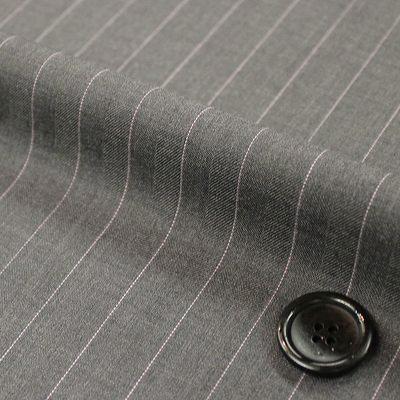 フェミニンなストライプとこだわりの織で定番なお色も華やかに。(26605-2)
