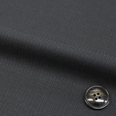 限りなく黒に近いダークなお色。質の良さも抜群、黒くなりすぎません。(26606-3)