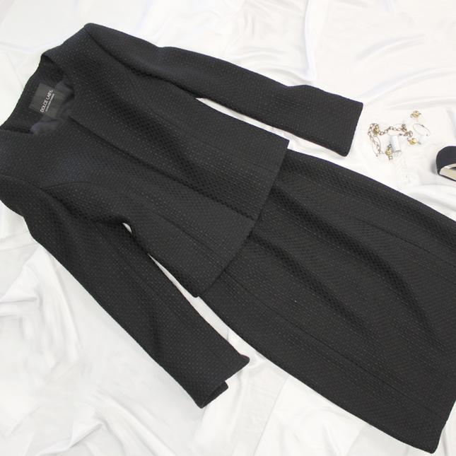 スカートスーツ 卒業式には、今年人気のノーカラージャケットで<br />Collarless jacket & skirt