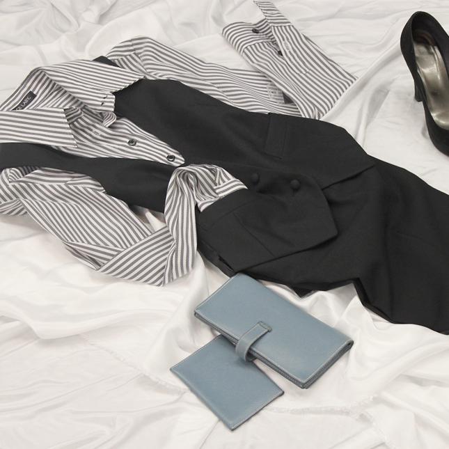 シャツブラウス ベストとの組合せがおしゃれ<br />Striped shirt & vest