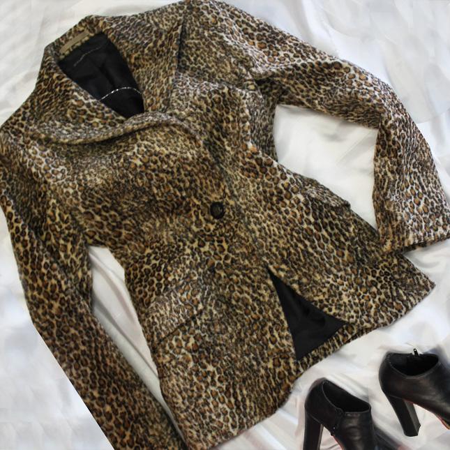 ジャケット 人気のヒョウ柄セレブジャケット<br />Leopard jacket