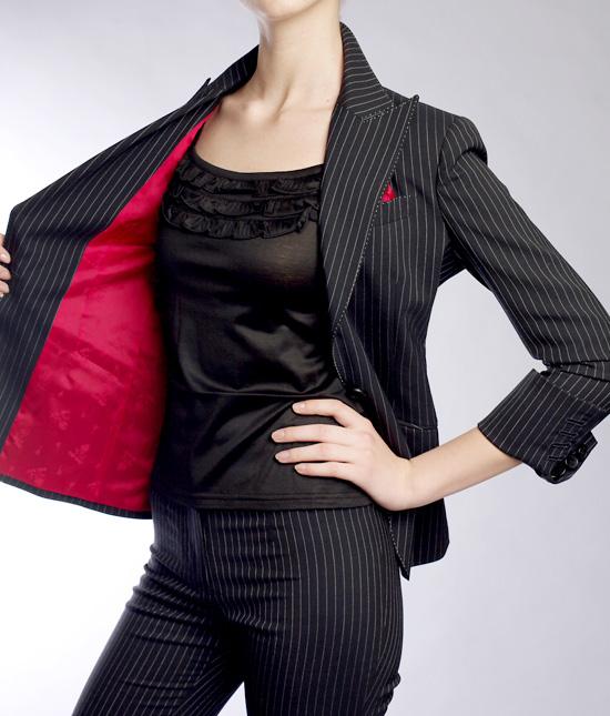 テーラードジャケット 赤の裏地<br />Classic Tailored Jacket with Red Lining