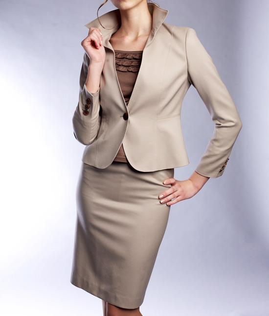 スカートスーツ タイトなライン<br />One Button Jacket & Pencil Skirt
