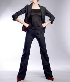 パンツスーツ 働く女性に人気の着こなし<br />Women's Career Pants Suit