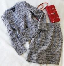 スカートスーツ ラメ入りのゴージャススーツ<br />Gorgeous lame inserted skirt suit