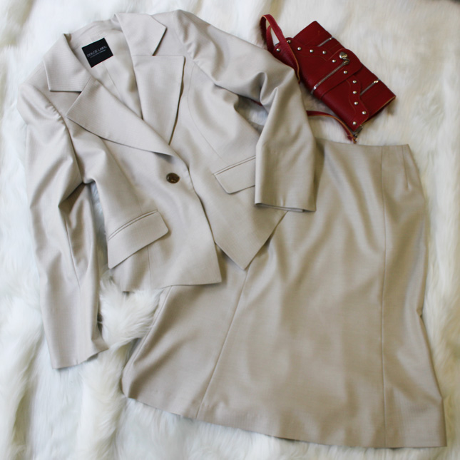スカートスーツ ライトベージュ<br />Vanilla skirt suit