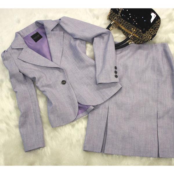 スカートスーツ パステルカラーのフォーマルスーツ<br />Pale lavender skirt suit