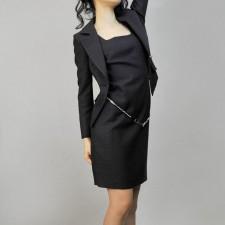 ワンピーススーツ 上品な着こなし<br />Waisted Dress Suit