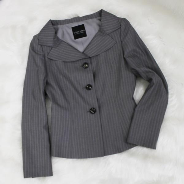 デコルテジャケット ストライプ柄<br />Striped decollete jacket