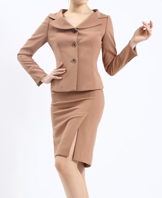 スカートスーツ デコルテジャケット<br />Beige Sexy Skirt Suit