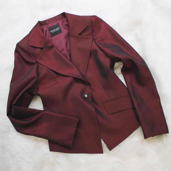 ジャケット 光沢のあるワインレッド<br />Glossy wine red jacket