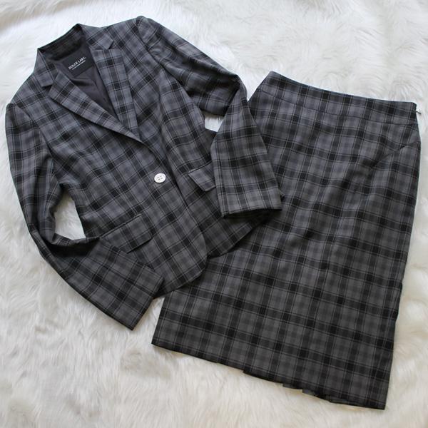 スカートスーツ モノトーンのチェック柄<br />Monotone checked skirt suit