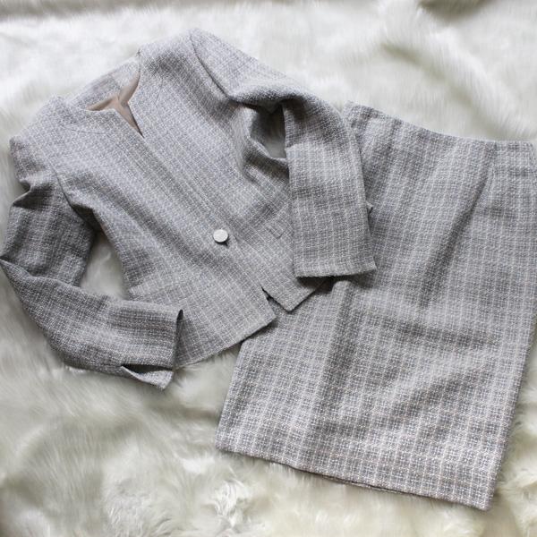 スカートスーツ 爽やかなサマーツイード<br />Light gray skirt tweed summer suit