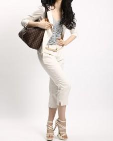スーツ ウォッシャブル 白いクロップドパンツ<br />White Washable Jacket & Capri Pants