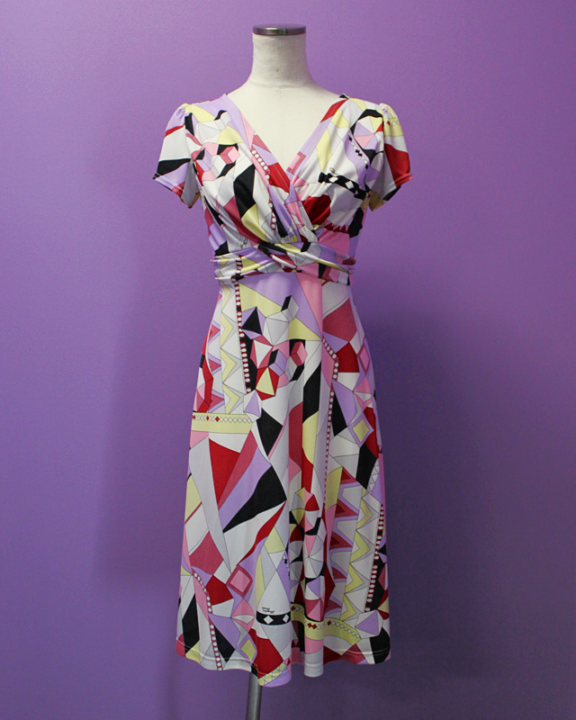 ワンピース プッチ柄<br /> Crossover dress made of Parolari Emilio Pucci fabric