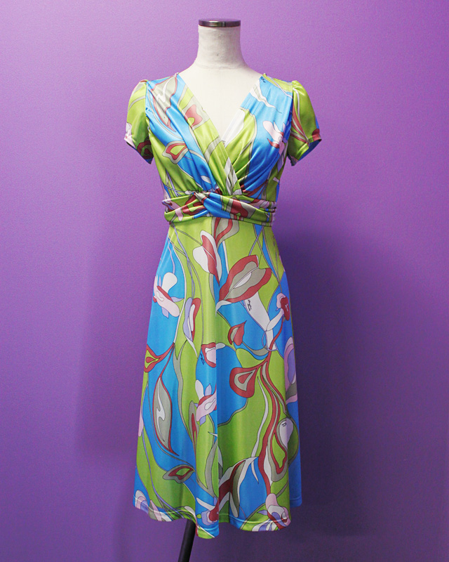 ワンピース プッチ柄<br />Crossover dress made of Parolari Emilio Pucci fabric
