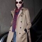 アン・ハサウェイ(Anne Hathaway) トレンチコートファッション