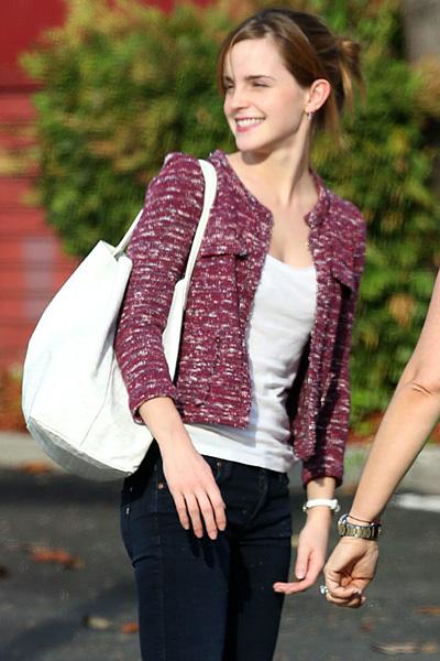 エマ・ワトソン(Emma Watson) ツイードジャケットファッション
