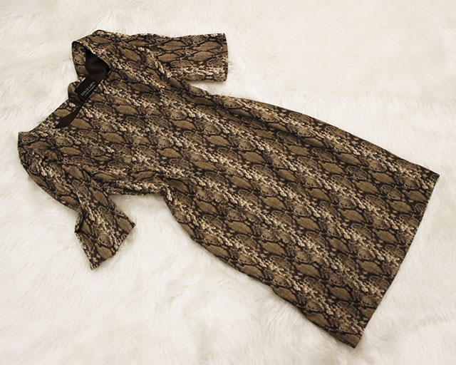 ワンピース 蛇柄<br />Snake printed dress