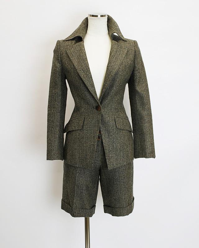 ハーフパンツスーツ ナポレオンカラージャケット<br />Dark tan brown half pants and Napoleon collar jacket