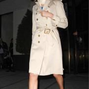 シャーリーズ・セロン(Charlize Theron)のトレンチコートファッション