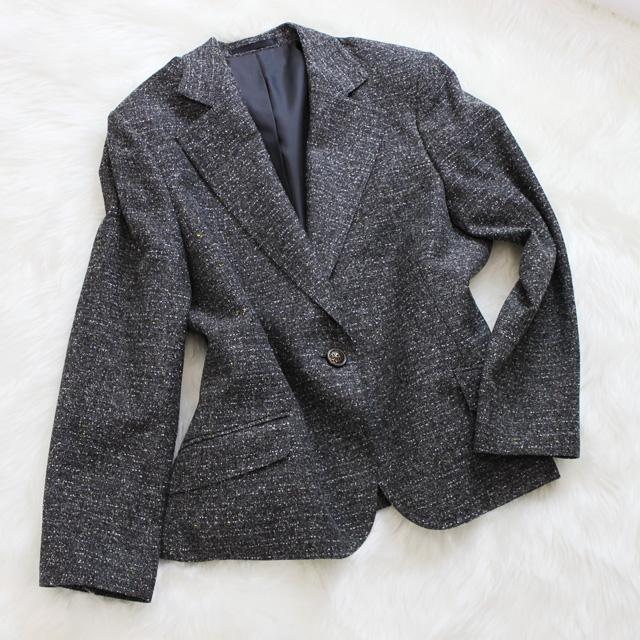 ツイードジャケット 大人びた着こなし<br />Pewter gray tweed jacket