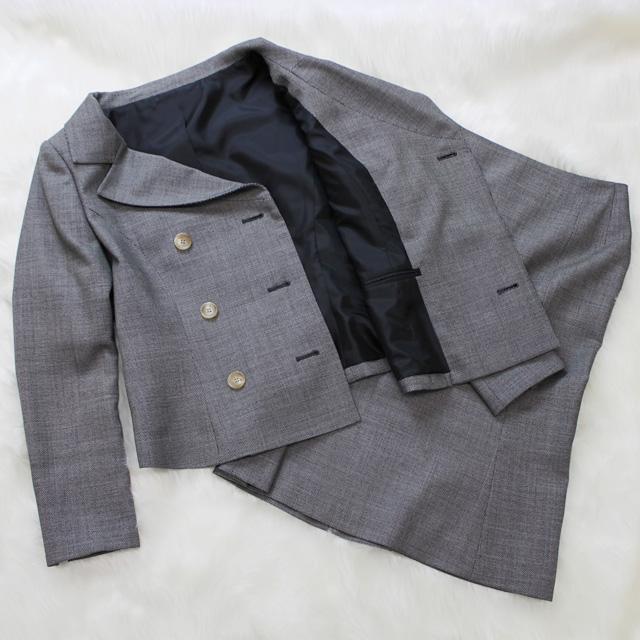 ダブルジャケットスカートスーツ 大人びたグレー<br />Gray double jacket and skirt
