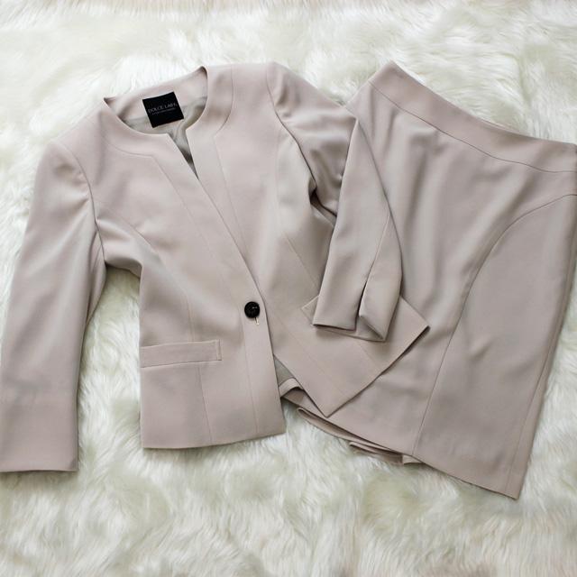 スカートスーツ 薄いピンクベージュが上品<br />Almond pink skirt suit