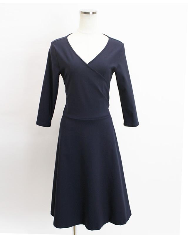 カシュクール しっとりとした着こなし<br />Grace crossover dress