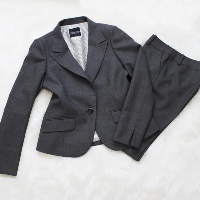 パンツスーツ スタンダードなグレー<br />Charcoal gray pants suit