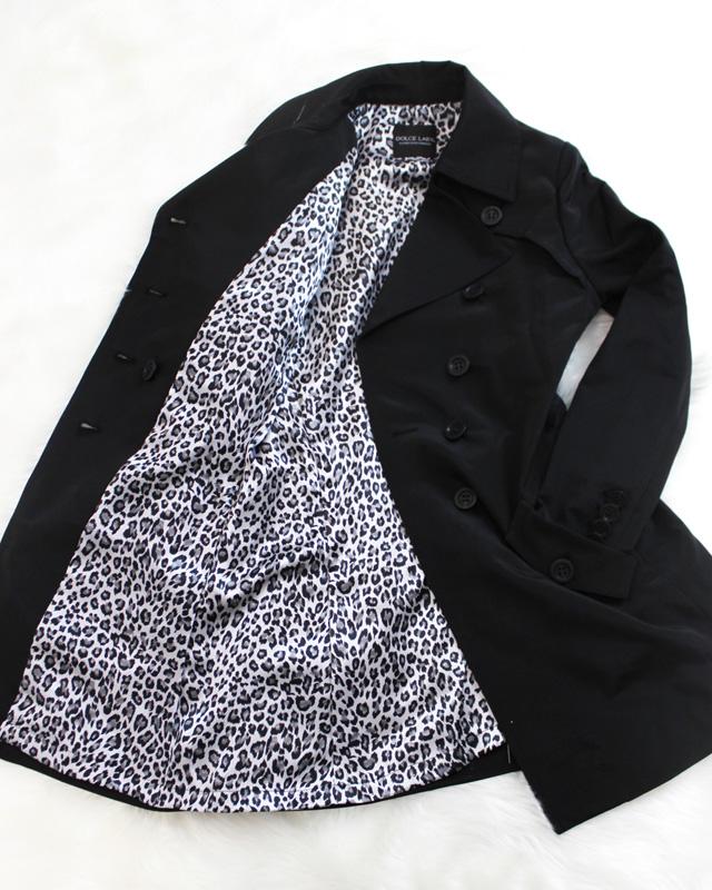 トレンチコート ブラック&ヒョウ柄の裏地<br />Chic black trench coat with leopard lining
