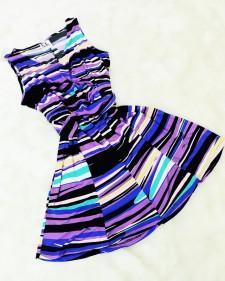幾何学模様ノースリーブワンピース<br />Geometric print dress