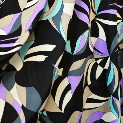 ブライトスムース 幾何学柄 / Black & Purple Stretch Abstract Printed Fabric