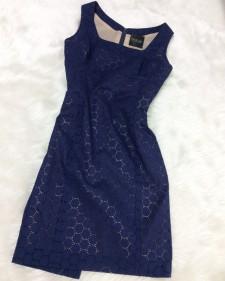 夏のフォーマルシーンにも着せるネイビーレースのワンピース♪ジャケットとのコーデで印象変更<br />Navy Lace Dress Suitable As Formal Wear too! Pair with Jacket for Stylechange