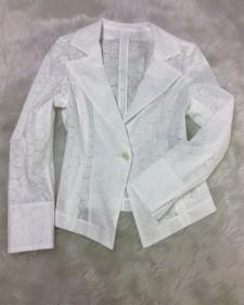 涼しげホワイトレースジャケット☆エレガントフォーマルから可愛いカジュアルまで万能アイテム<br /> Keep Cool In A White Lace Jacket☆Versatile Item For Formal As Well As Casual Outfits