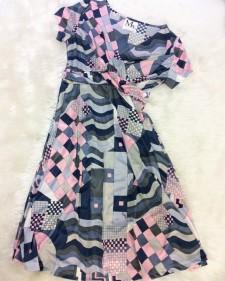 鮮やかなピンクとグレーの色合いが美しい♪ボディラインが綺麗に見えるドールワンピース<br />Fresh Pink&Gray Color Combination – A-Line Dress With Body Flattering Cut