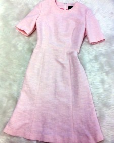 フェミニンでキュートなピンクのラメワンピース♪<br />Feminine And Cute Pink Lame Dress