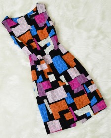 とてもモダーンなスクエア柄で立体感があるサッカー生地★注目を浴びるワンピース<br />Seersucker Fabric with  A Modern Pattern★Draw Attention in This One-Piece