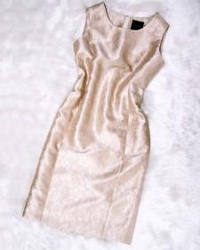 パーティーで輝くゴールド花柄のワンピース★エンボス生地で高級感があるアイテム<br />Shine At Parties In A Gold Dress☆ With Luxurious Flower Embossed Fabric