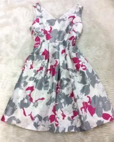 可愛らしいノースリーブワンピース★グレーとピンクの花柄生地がとても素敵<br />Cute No-sleeve Dress★Charming Gray and Pink Flower Print
