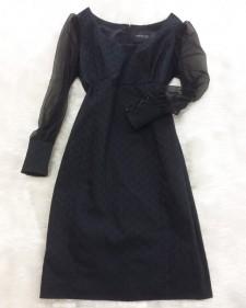 フォーマルシーンやパーティーシーンにも使えるシフォン袖ワンピース♪<br  />Dress With Lace Sleeves,  That Can Be Used For Parties And Formal Settings