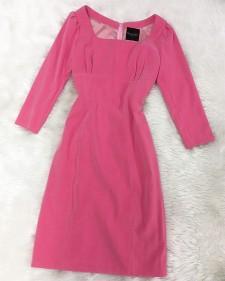 ハイウエストのピンク長袖ワンピース♪秋のトレンドカラー ピンクで上品な華やかさ<br /> High Waisted Pink Long Sleeve Dress♪Add Elegance & Glamour With This Trendy Autumn Color