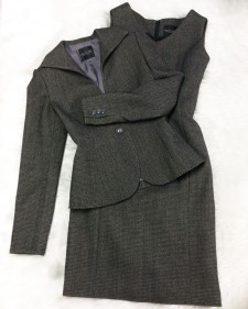 ヘリンボーン柄の高級ウール生地のワンピーススーツ♪<br />Dress Suit in High Quality Herringbone Wool Farbic