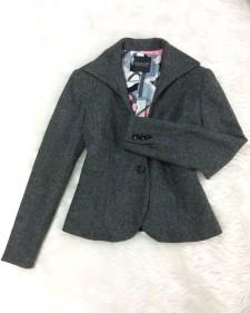 オンもオフも選ばない着回しツイードジャケット♪ショート丈&カラー裏地もうれしいポイント<br />Tweed Jacket for Business And Leisure ♪The Short Cut and Colorful Lining Add Some Interest to the Style