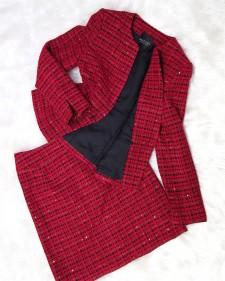 ラメ糸を織り交ぜたファンシーなレッドツイードのスカートスーツ♪<br />SkirtSuit in Fancy Red Tweed with Interwoven Glittery Threads