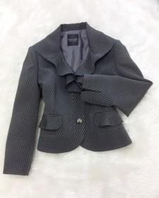 素敵なコーディネイトが楽しめるシルクブレンド生地のジャケット<br />Enjoy Various Stylings With This Silk Blend Jacket
