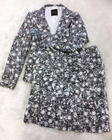 まるで宝石箱をのぞき込んだような宝石柄の生地♪オリジナルなスカートスーツ<br />You Can Almost See the Glittering In This Diamond Fabric♪Skirt Suit With Originality