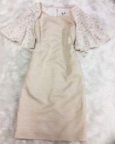ジャケットを脱いでも1枚で着られるケープ付きのワンピース☆<br />This Dress Works Great By Itself Or Together With A Jacket