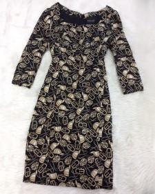 レトロで面白い柄の生地を使ったワンピース☆ハイウエストでピッタリフィットのワンピース<br />A Interesting Design With a Vintage Feel☆Tight Dress With a High Waist