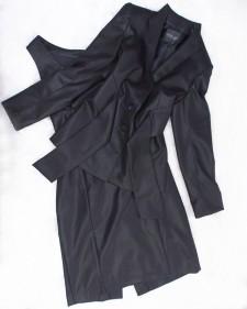 セレモニースーツにも個性的でお洒落に見える♪黒ワンピース&タッセル付きジャケット<br />Show Individuality And Fashion Sense on Formal Occasions With This Dress And Jacket With Tassel Set